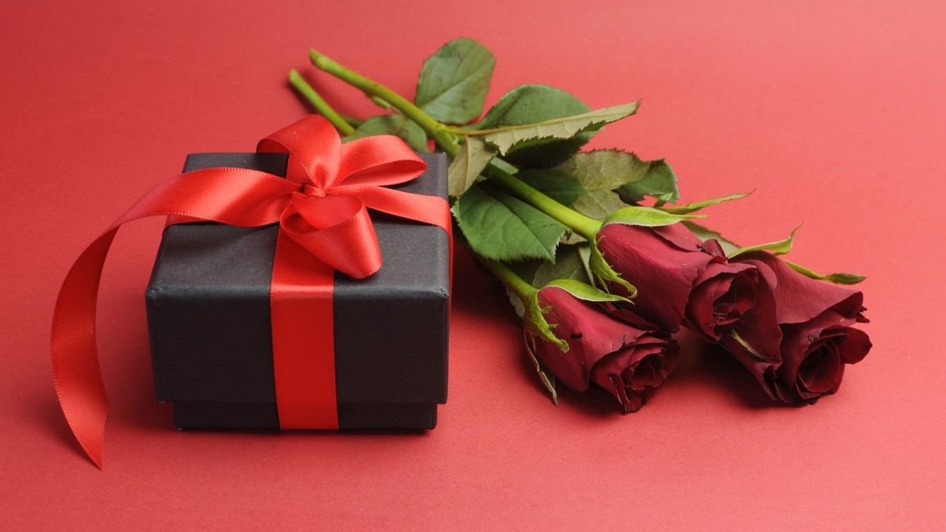 rose-with-gift-for-girls-image